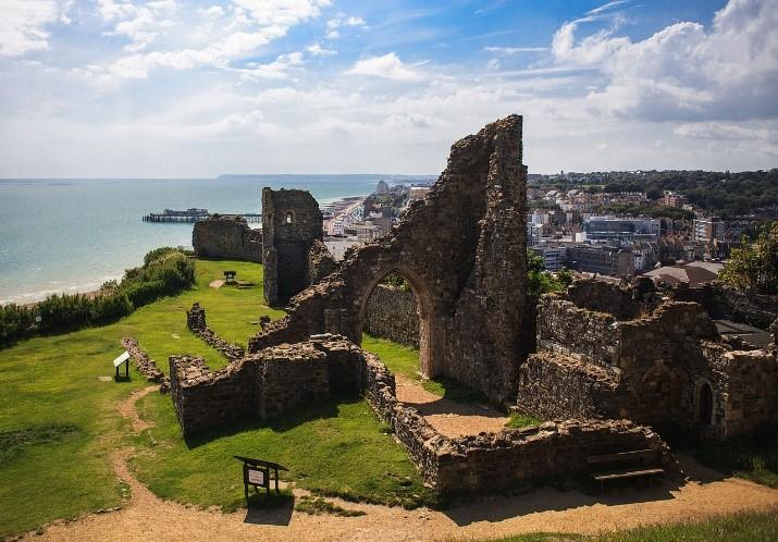Ruinene av Vilhelm Erobrerens slott i Hastingsjpg